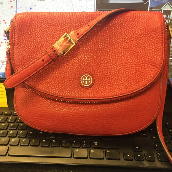 25ed76c6b7fd M 5a4e9cdab7f72b0295003825. Other Bags you may like. Tory burch Emerson  Chain Wallet